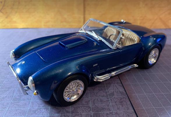 Revell 1966 AC Shelby Cobra 427 kit